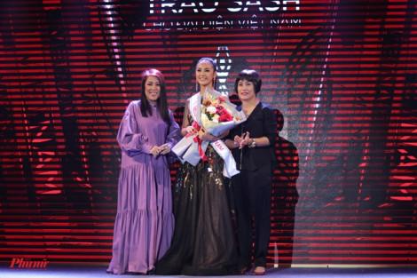 'Hoa hậu Sắc đẹp Quốc tế': Tiêu chuẩn một đàng, chọn người một nẻo?