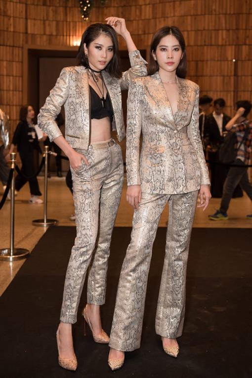 Nam Em diện đồ đôi với chị song sinh sau khi giảm 12kg thành công