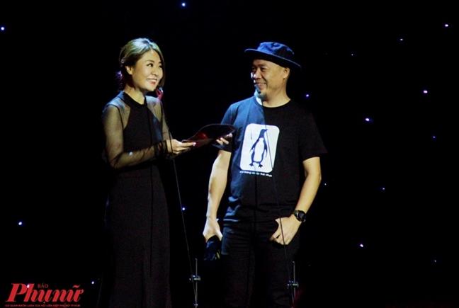 Fiona Fung gian di lan dau toi Viet Nam, song ca cung Den Vau