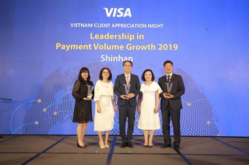 Ngân hàng Shinhan vinh dự đón nhận liên tiếp ba giải thưởng danh giá từ Visa trong năm 2019