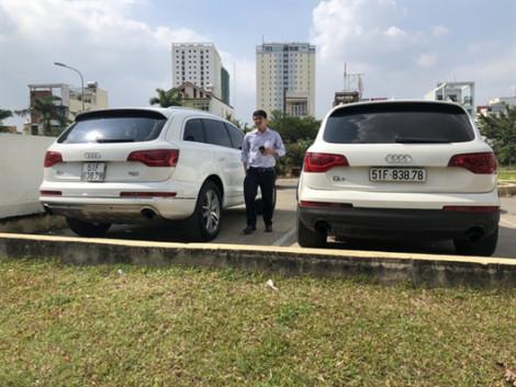 Bất ngờ hai chiếc xe sang... trùng biển số!