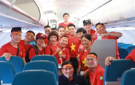 Người hâm mộ ùn ùn qua Phlippines cổ vũ tuyển Việt Nam, các hãng bay liên tục tăng chuyến
