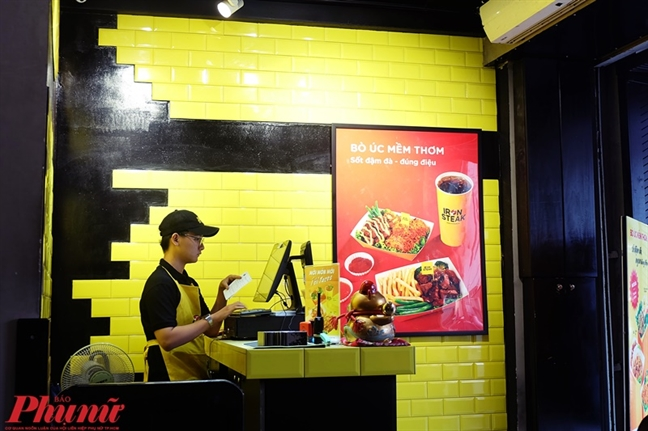 An 'ngap nhan' chiec banh Tacos phong cach Mexico