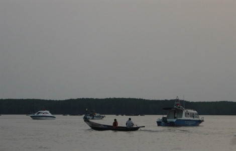 Nhiều thợ lặn trục vớt tàu chìm ở Cần Giờ bất tỉnh nghi do loại khí có mùi trứng thối