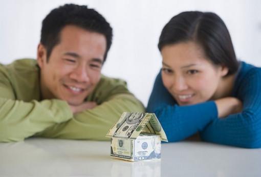 Lương chồng chuyển vào tài khoản vợ, cách nào?