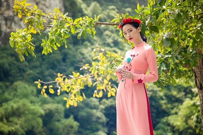 'Thong dong' cung ao dai