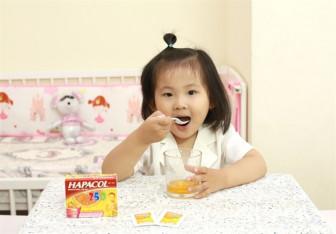 Cách hạ sốt, bù nước, chế độ ăn uống cho trẻ sốt trong mùa lạnh