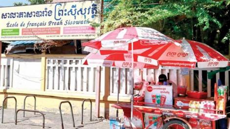 Thủ đô Campuchia cấm bán đồ uống có đường tại trường học