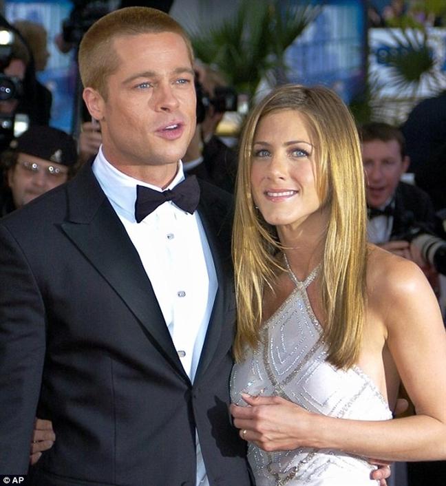 Brad Pitt du tiec Giang sinh cua vo cu Jennifer Aniston