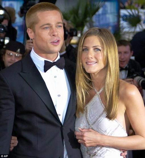 Brad Pitt dự tiệc Giáng sinh của vợ cũ Jennifer Aniston