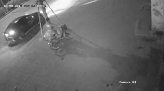 Nghi vấn tài xế gây tai nạn, kéo thi thể nạn nhân lên vỉa hè rồi bỏ trốn