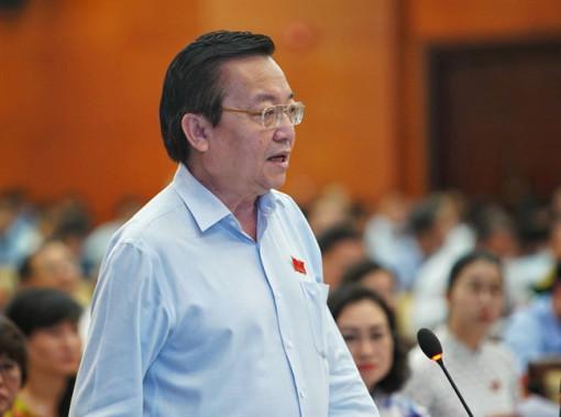 Sở GD-ĐT TP.HCM đã có báo cáo giải trình UBND việc nhận thù lao của Nhà xuất bản Giáo dục VN