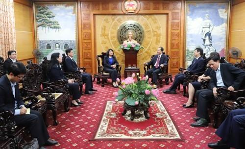 Lanh dao Dang, Nha nuoc den tham, chuc mung cac giao phan nhan dip Giang sinh 2019