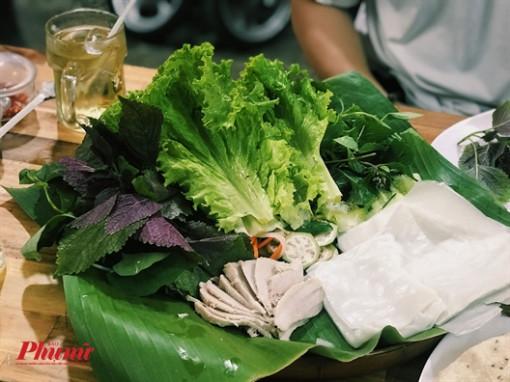 Quán nhỏ gói ghém mọi đặc sản miền Trung giữa lòng Sài Gòn