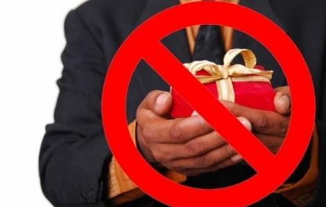 Cấm biếu, tặng quà Tết cho lãnh đạo dưới mọi hình thức