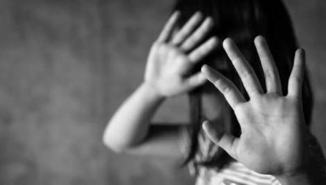 Hội Bảo vệ quyền trẻ em thăm gia đình cháu gái nghi bị xâm hại tình dục