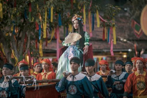Hoàng Thuỳ Linh cắt 'duyên âm', bước qua những thị phi