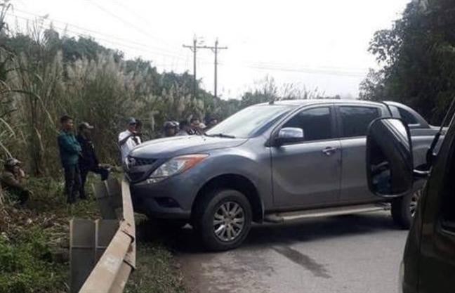 Cong an Quang Binh dang truy bat ke vat xe chay tron, bo lai 9 bao tai ma tuy