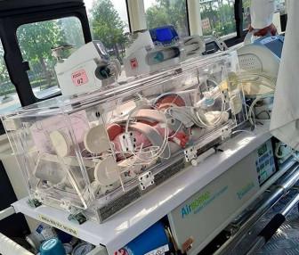 Mới chào đời bé gái đã phải lên bàn mổ chữa trị cùng lúc 4 dị tật ở tim