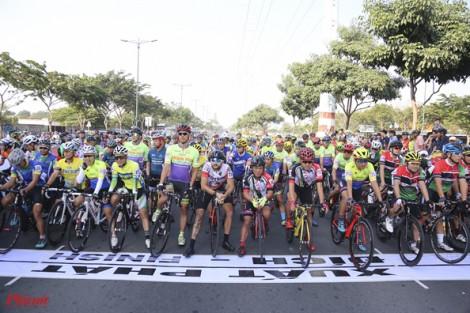 TPHCM: Tưng bừng giải xe đạp đón chào năm mới 2020
