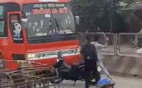 Bắt giữ hai thanh niên hung hãn chặn đầu, đập phá xe khách trên quốc lộ