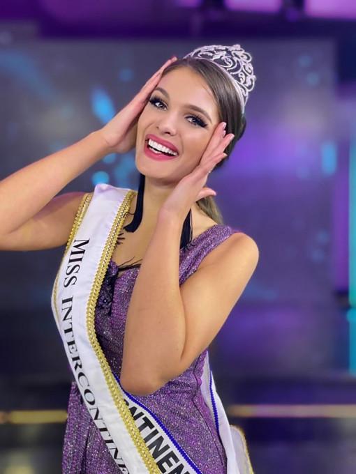 Vẻ đẹp nóng bỏng của tân Hoa hậu Liên lục địa 2019