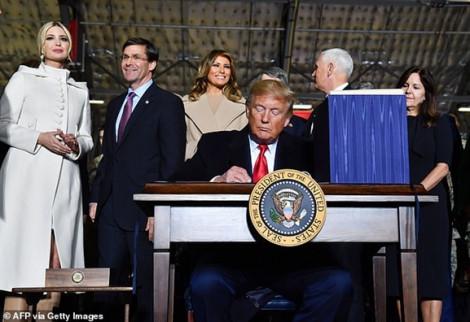 Tổng thống Trump ký ban hành đạo luật Quốc phòng 2020 trị giá 738 tỷ USD