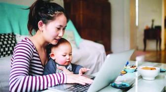 Làm mẹ thời internet: Cảnh giác với 'chuyên gia'  mạng xã hội