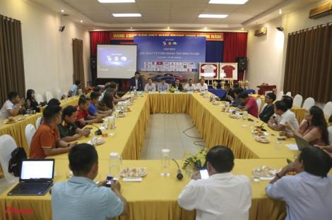 Đấu giá 2 chiếc áo đội tuyển nữ Việt Nam ký tặng Thủ tướng
