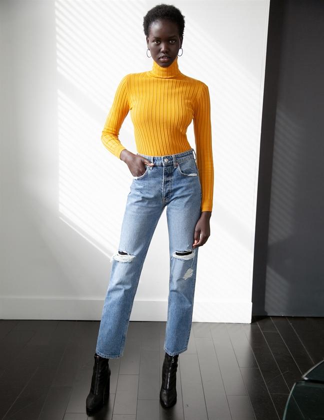 Nhan sác my nhan chia sẻ danh hieu 'Nguoi mau trang bia 2019' vói Gigi Hadid
