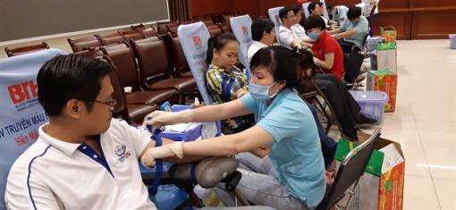 396 đơn vị máu được hiến tặng