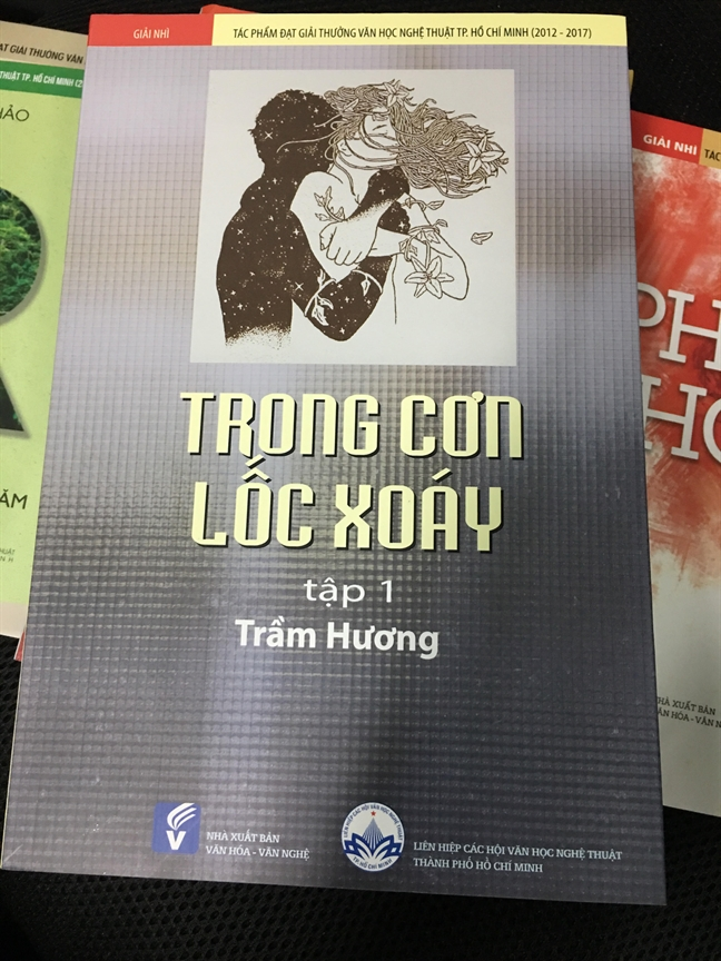 Nha van Van Le: 'Viet ve nguoi linh, ve nhan dan la viet ve pham hanh va long trac an'