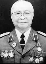 Thieu tuong Nguyen Trong Vinh qua doi