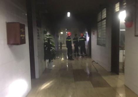 Nam bệnh nhân châm lửa đốt bệnh viện, khống chế nữ y tá