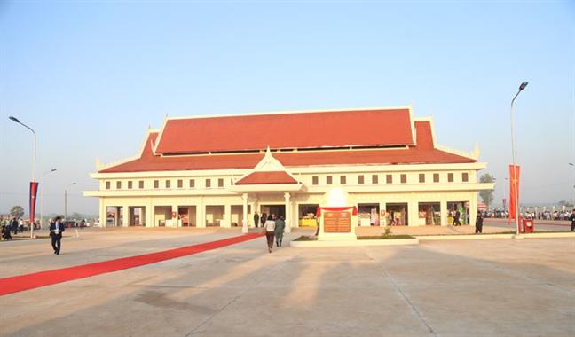 Thu tuong Hun Sen muon co them dac khu kinh te giap gioi Viet Nam