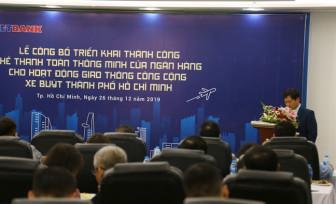 TP.HCM: Người dân đi xe buýt có thể thanh toán bằng thẻ thông minh không tiếp xúc của Vietbank