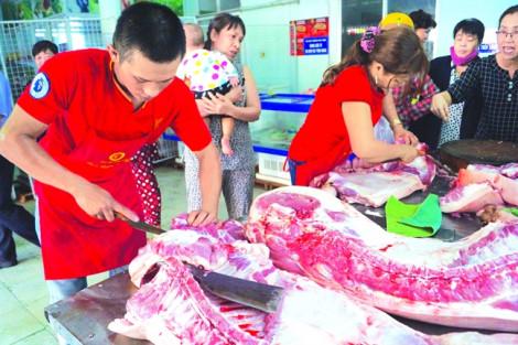 Giá thịt heo tăng chót vót, khó bề 'hạ nhiệt' do cung không đủ cầu