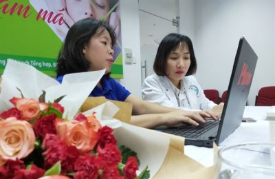 Giao lưu trực tuyến: Điều trị nám má