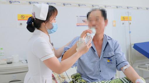 Bác sĩ Việt Nam gọi điện qua Hàn Quốc để người nhà đồng ý cứu bệnh nhân đột quỵ