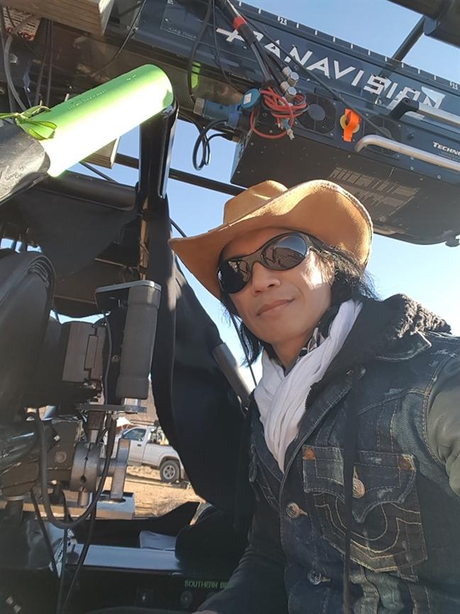 Dustin Nguyen kien nha san xuat vi bi cat vai