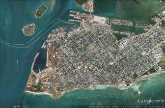 Mỹ bắt một công dân Trung Quốc vì chụp ảnh căn cứ hải quân ở Florida