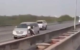 Hơn 5.000 xe máy chạy vào đường cao tốc TPHCM - Long Thành - Dầu Giây