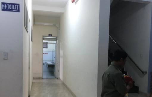 Truy bắt đối tượng cướp điện thoại, hiếp dâm nữ công nhân trong nhà vệ sinh