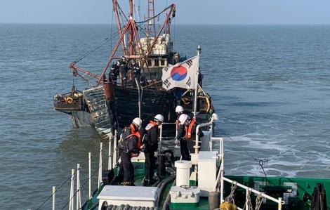 Hàn Quốc bắt giữ tàu Trung Quốc đánh bắt cá trái phép