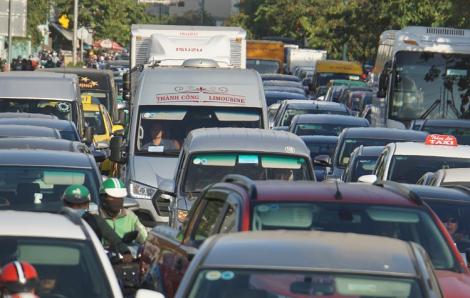 Xe khách đưa người dân về quê đón Tết chạy đường nào để tránh kẹt xe?