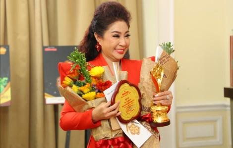 'Đá chéo sân', NSƯT Thoại Mỹ bất ngờ nhận giải