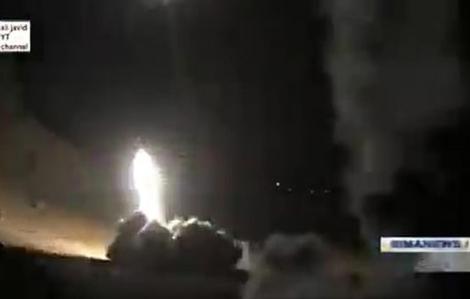 Iran dọa đánh bom Israel và Dubai nếu Mỹ trả đũa vụ tấn công vào hai căn cứ ở Iraq