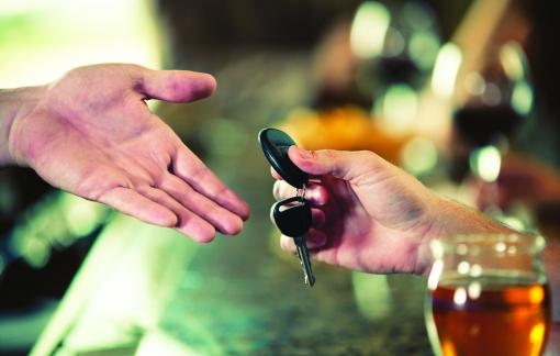 Trước khi uống say, đừng quên mở app!