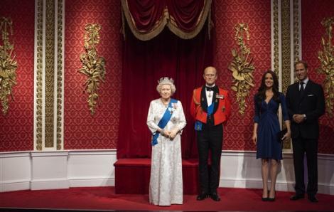 Tượng sáp Harry và Meghan bị đưa ra khỏi triển lãm Madame Tussauds