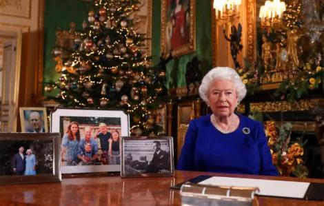 Harry và Meghan buồn bã khi bị loại khỏi các ảnh Giáng sinh Hoàng gia